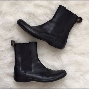 Authentic Gucci Chelsea Boot